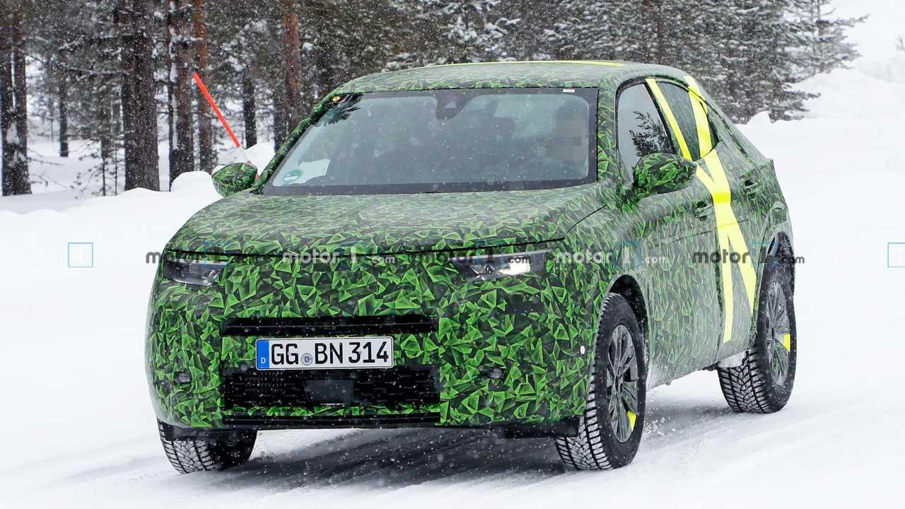 Neuer Opel Mokka X (2020) als Erlkönig erwischt Foto