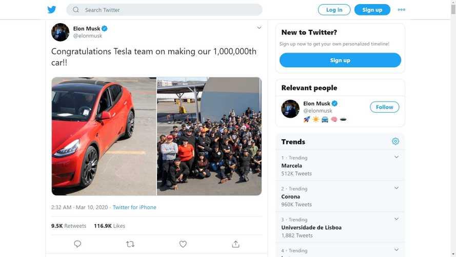 """Tesla sforna l'auto numero """"1 milione"""": è una Model Y rossa"""