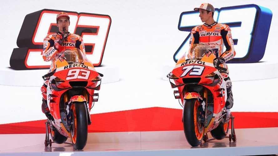Los hermanos Márquez presentan la nueva Honda de MotoGP en Indonesia