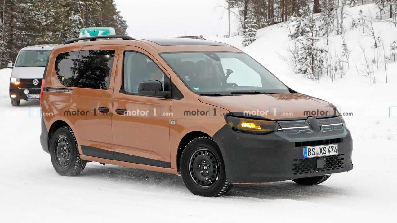 2020 VW Caddy spy photo