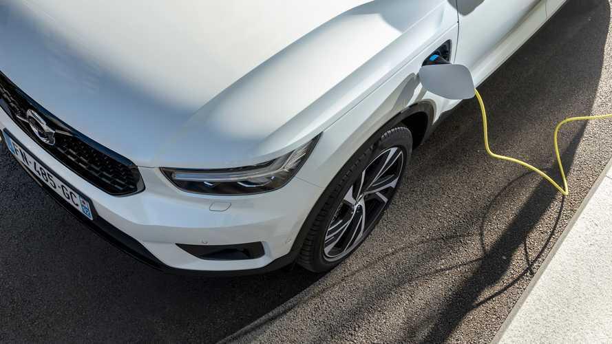Volvo dan Mercedes Berkolaborasi Kembangkan Powertrain Hybrid Plug-in