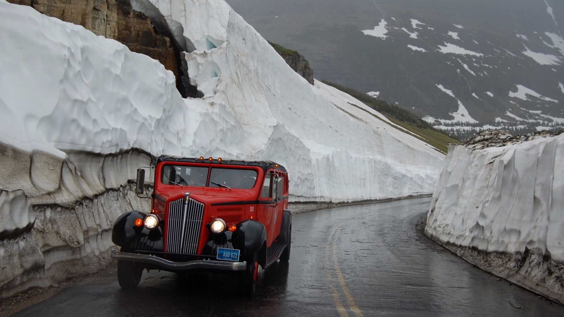 "[""Glacier Park Red Bus""]"