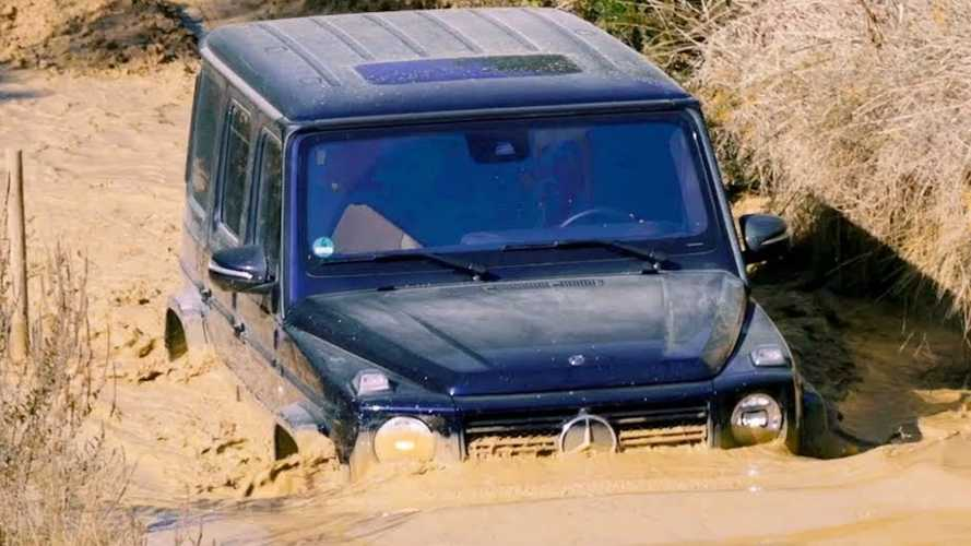 Mercedes Shows You How To Take The G-Class Through Water