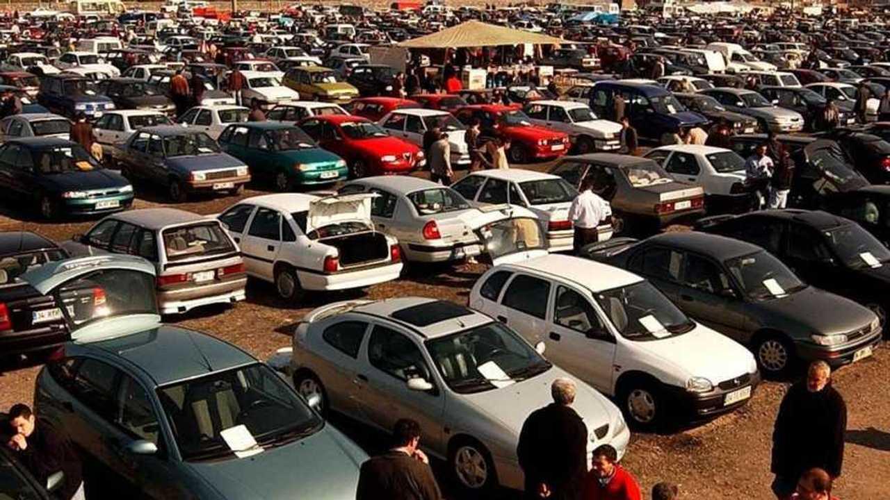 İkinci El Bir Otomobil Pazarı