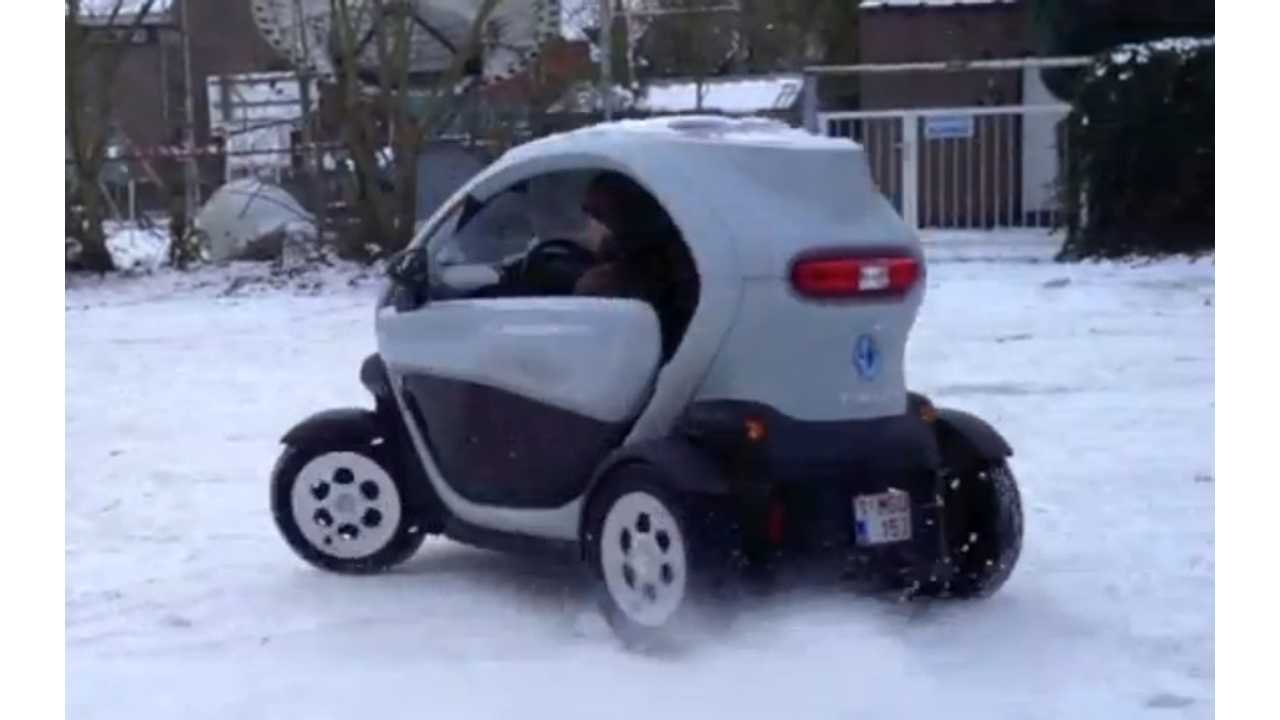 twizy in the snow