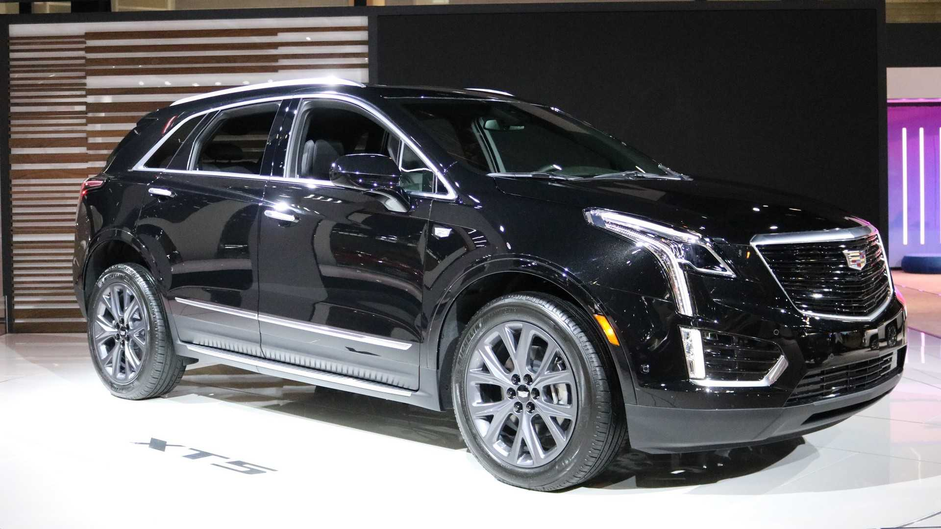 Cadillac Xt5 Sport Package Debuts Darker Design In Chicago