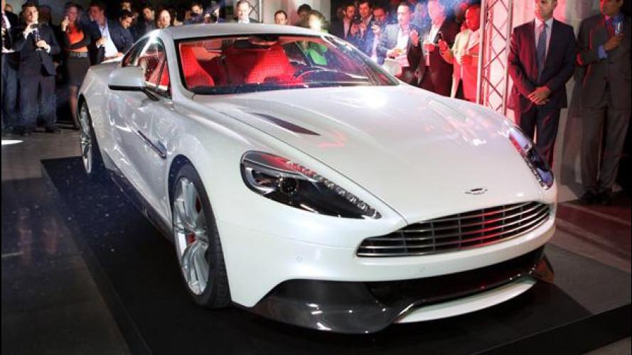 Debutto in società per la nuova Aston Martin Vanquish
