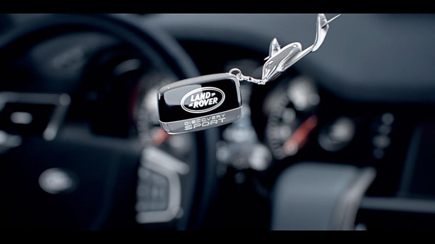 """Land Rover Discovery Sport, un assaggio dell'abitacolo """"spaziale"""""""