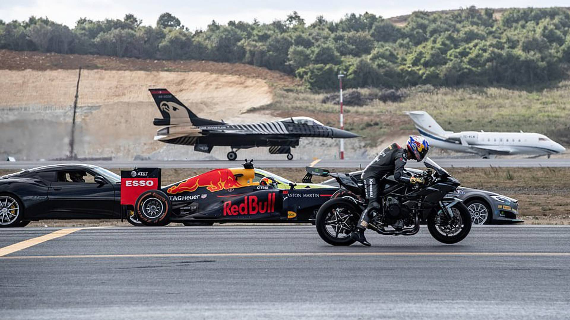 Epic Drag Race Pits Supercars Jet Fighter And Kawasaki H2r