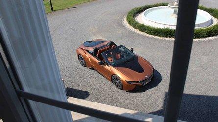 BMW i8 Roadster: rózsaszín köd és átértékelt társadalom