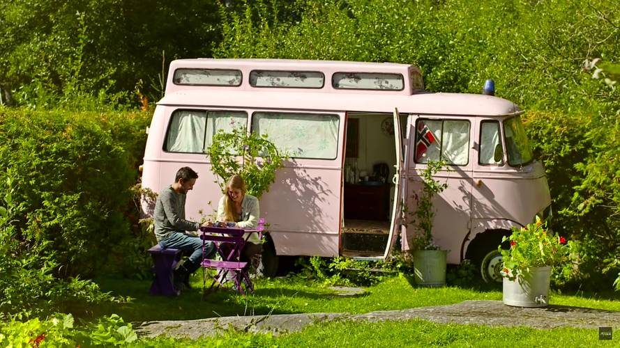 Old Mercedes Van Gets New Life As Airbnb Guest House