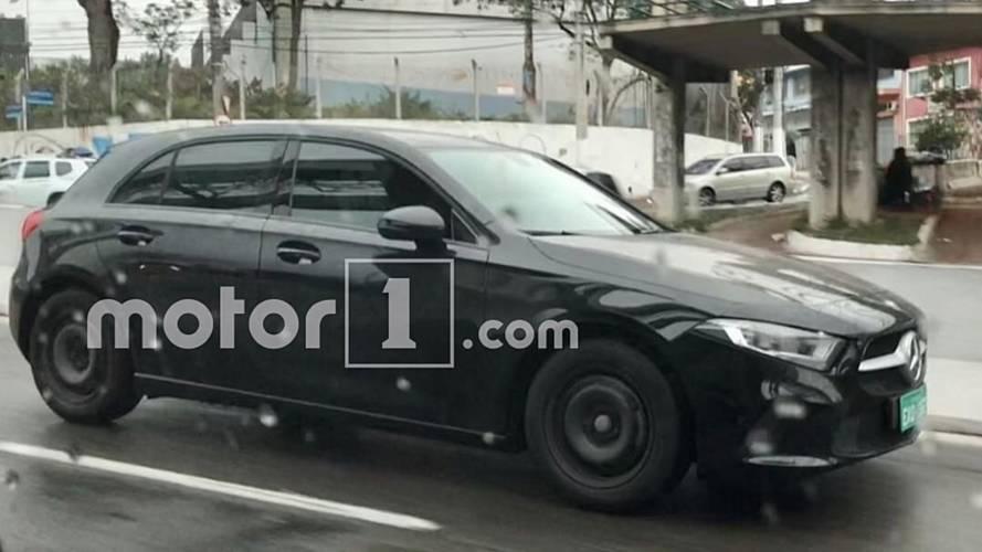 Flagra: Novo Mercedes Classe A se apronta para estreia no Salão do Automóvel