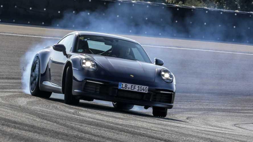 Nuova Porsche 911, si allena prima del debutto