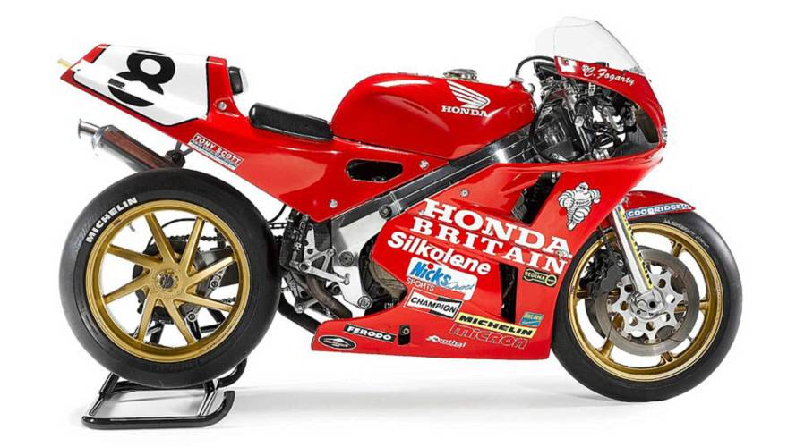 Honda RC30 Set to Dominate 2018 Isle of Man Classic TT
