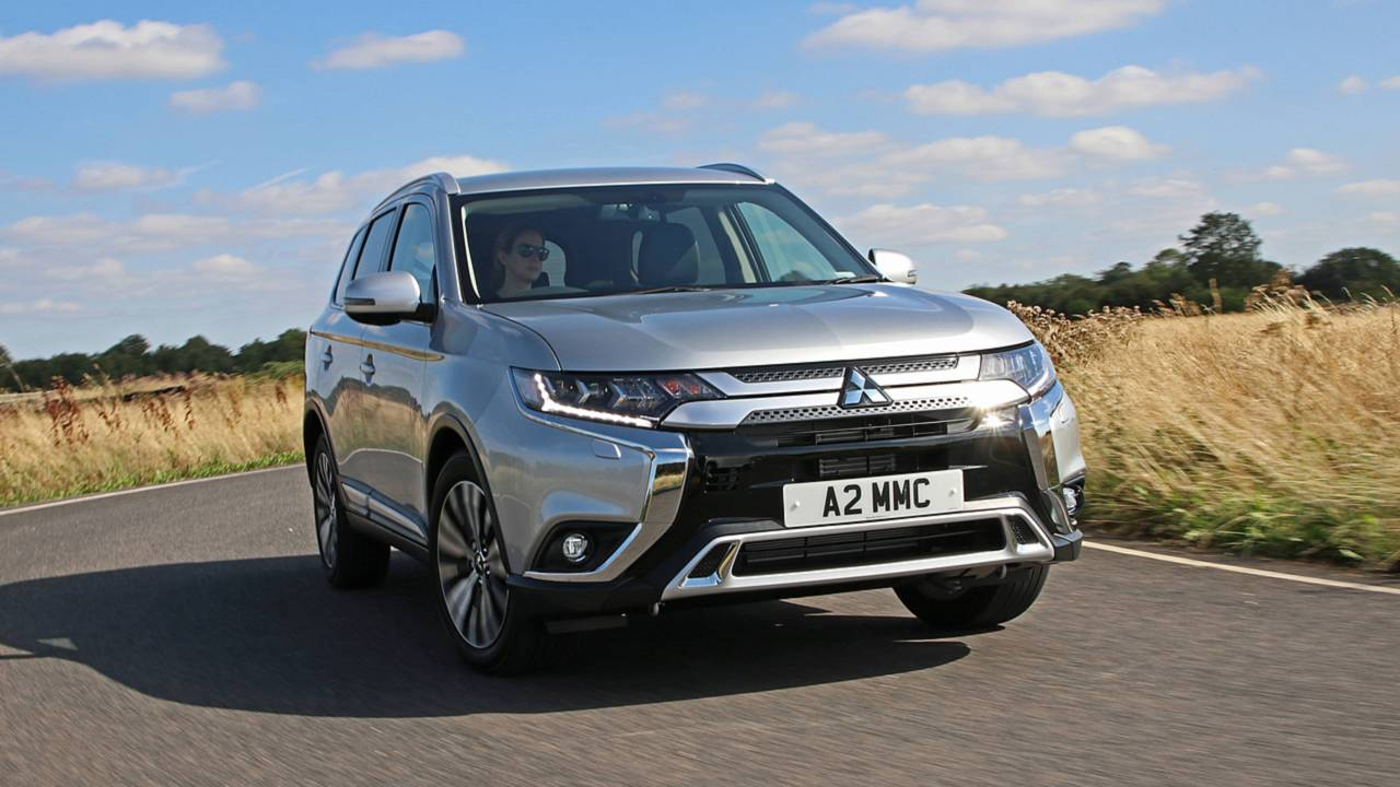 2019 mitsubishi outlander petrol photos. Black Bedroom Furniture Sets. Home Design Ideas