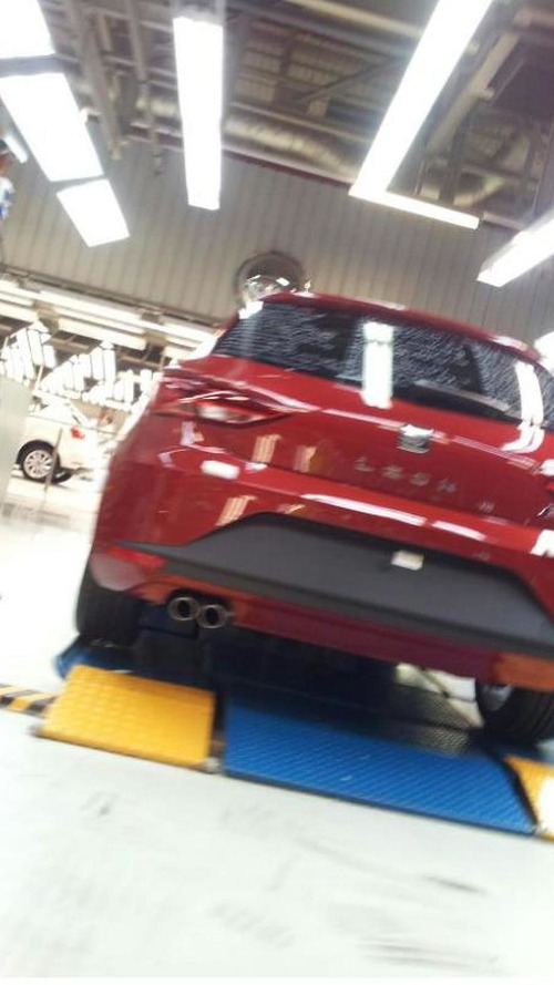 2013 Seat Leon FR caught undisguised