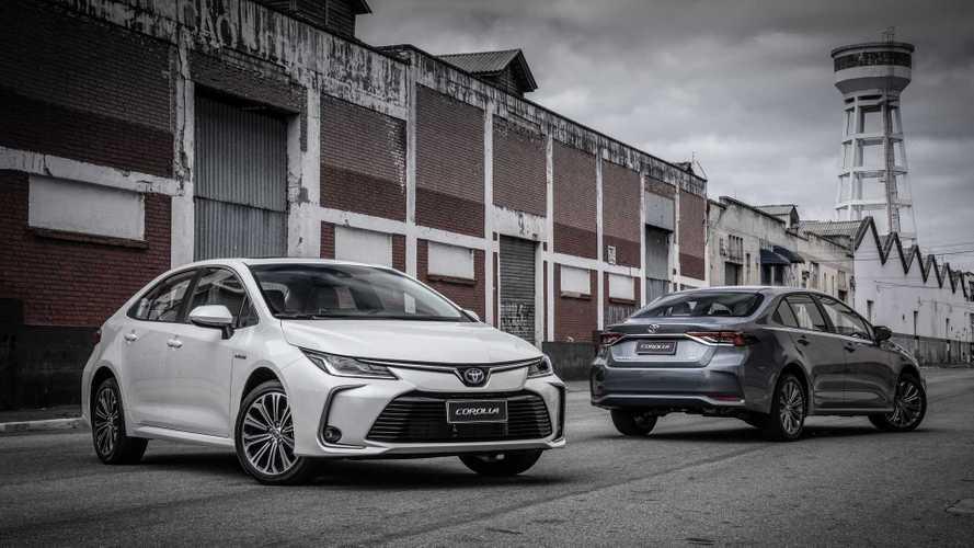Novo Corolla é o grande vencedor do prêmio UOL Carros, com votação do Motor1.com