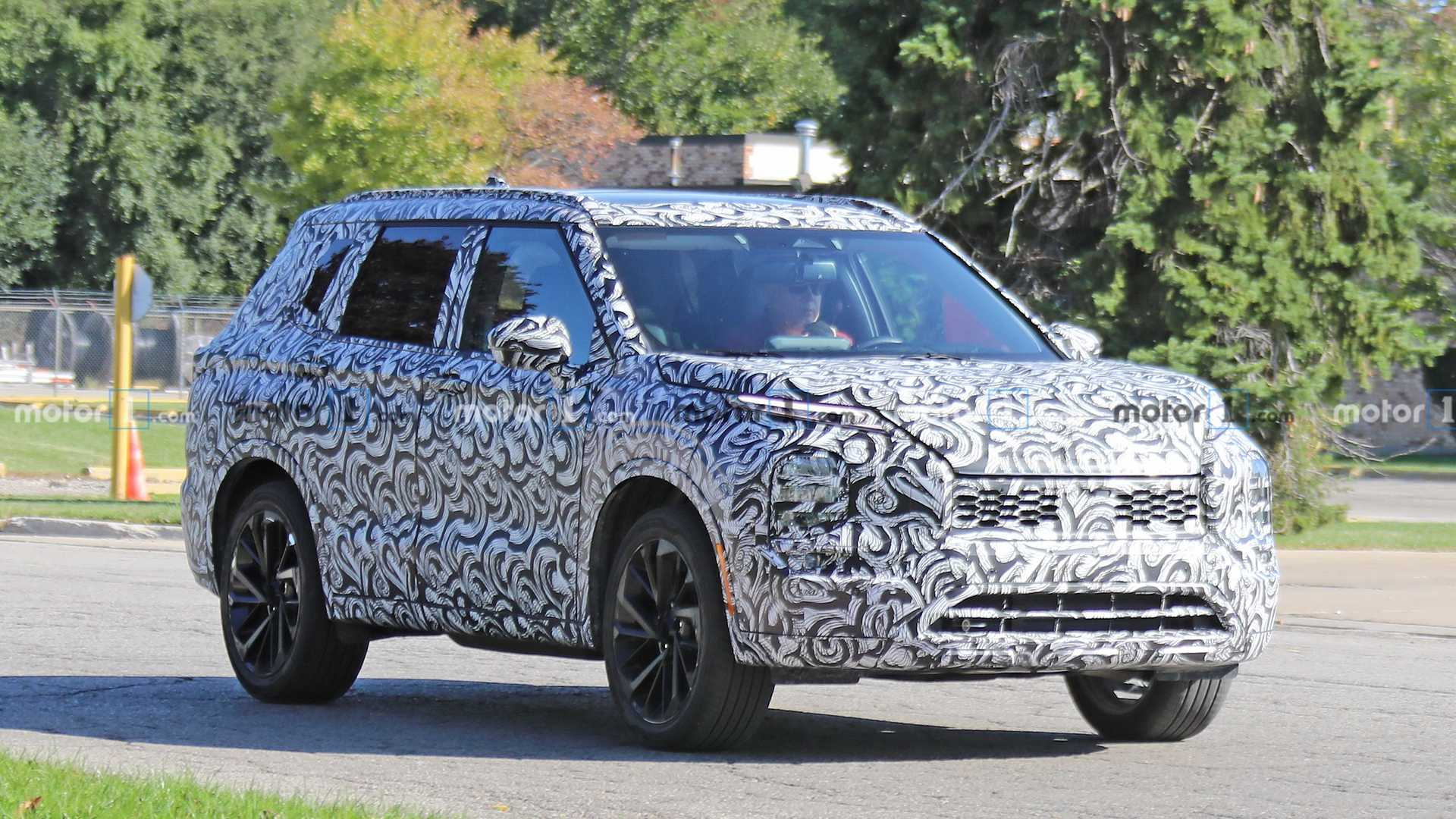 Next Gen Mitsubishi Outlander Spied For The First Time