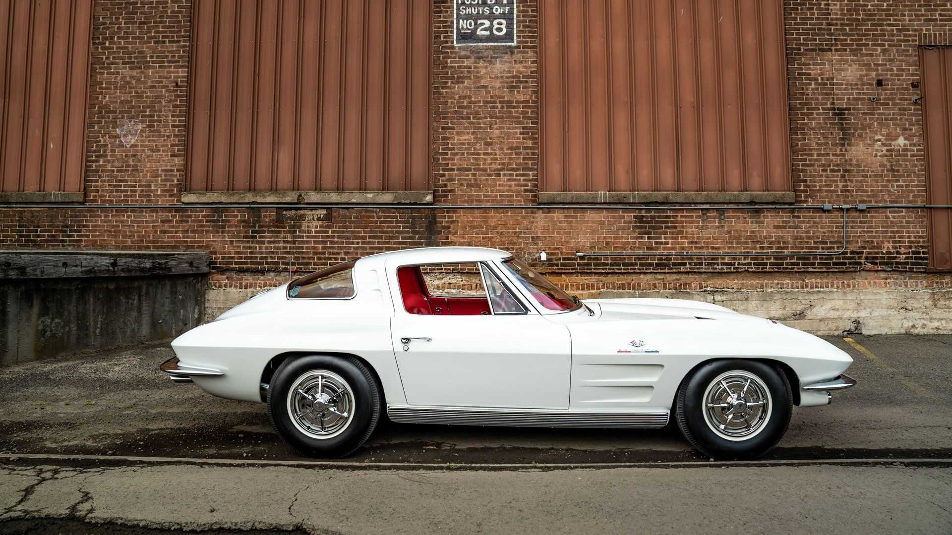 "[""Behold An NCRS Top Flight 1963 Chevy Corvette ZO6""]"