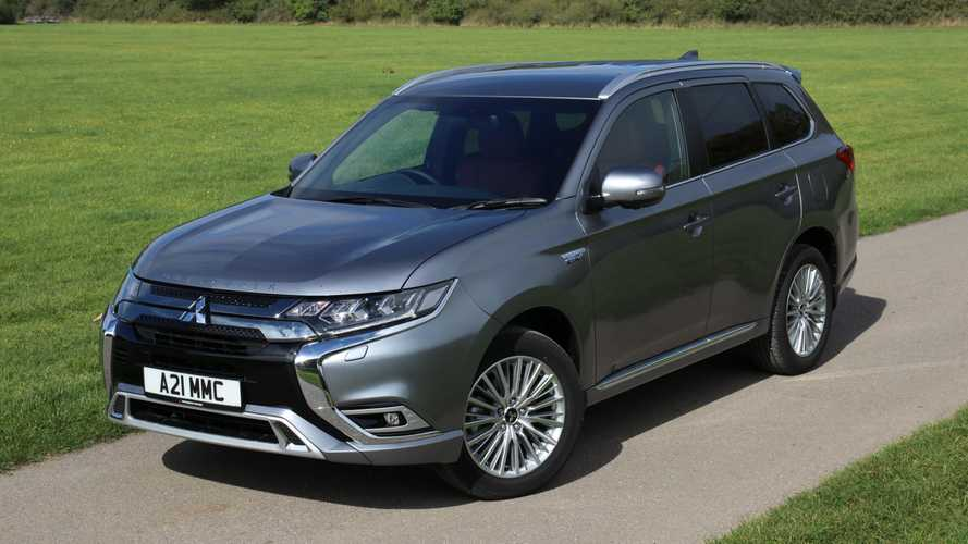 Mitsubishi Outlander PHEV sells well in UK even without incentives