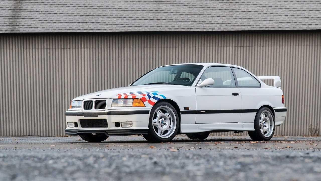 BMW M3 E36 avec les spécifications destinées à la compétition