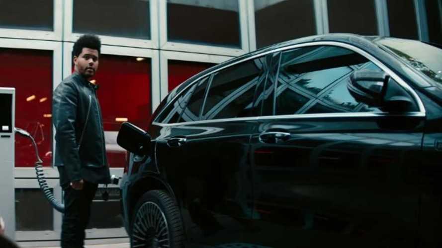 Videó: a Mercedes készítette el az év autóipari reklámját?