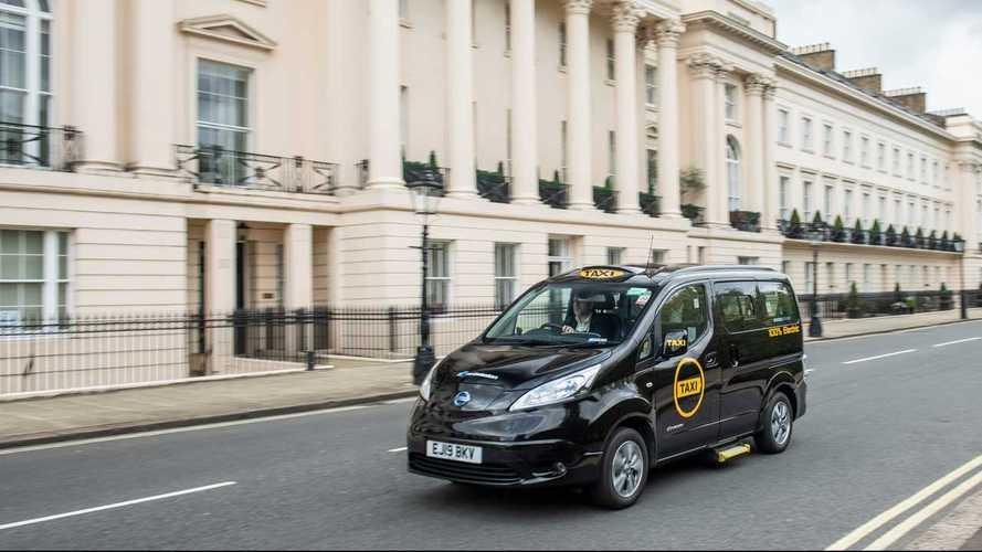 Taxi elettrici: Tesla a New York, Nissan a Londra