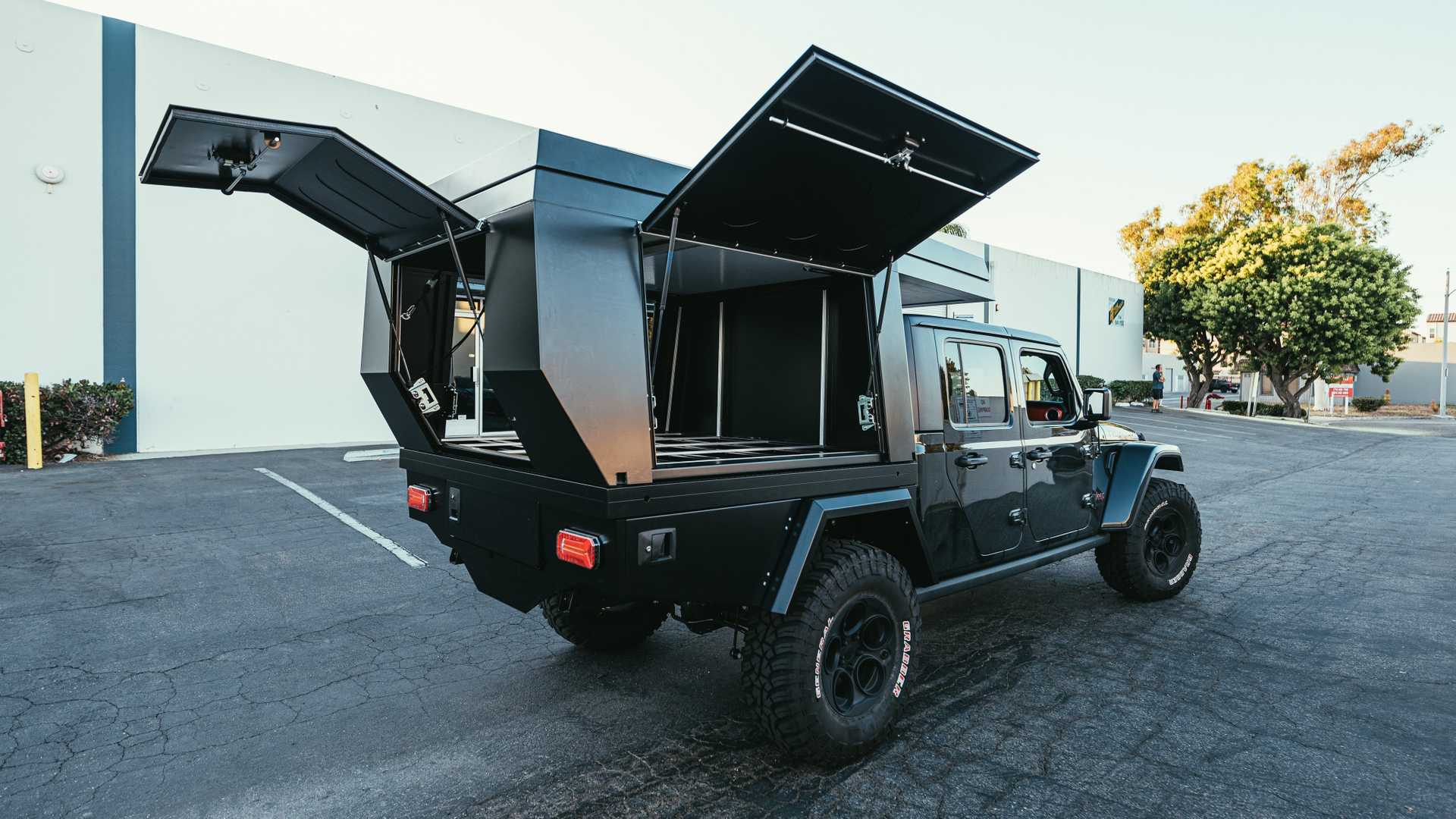 FiftyTen Jeep Gladiator Replaces Bed With Built-In Camper