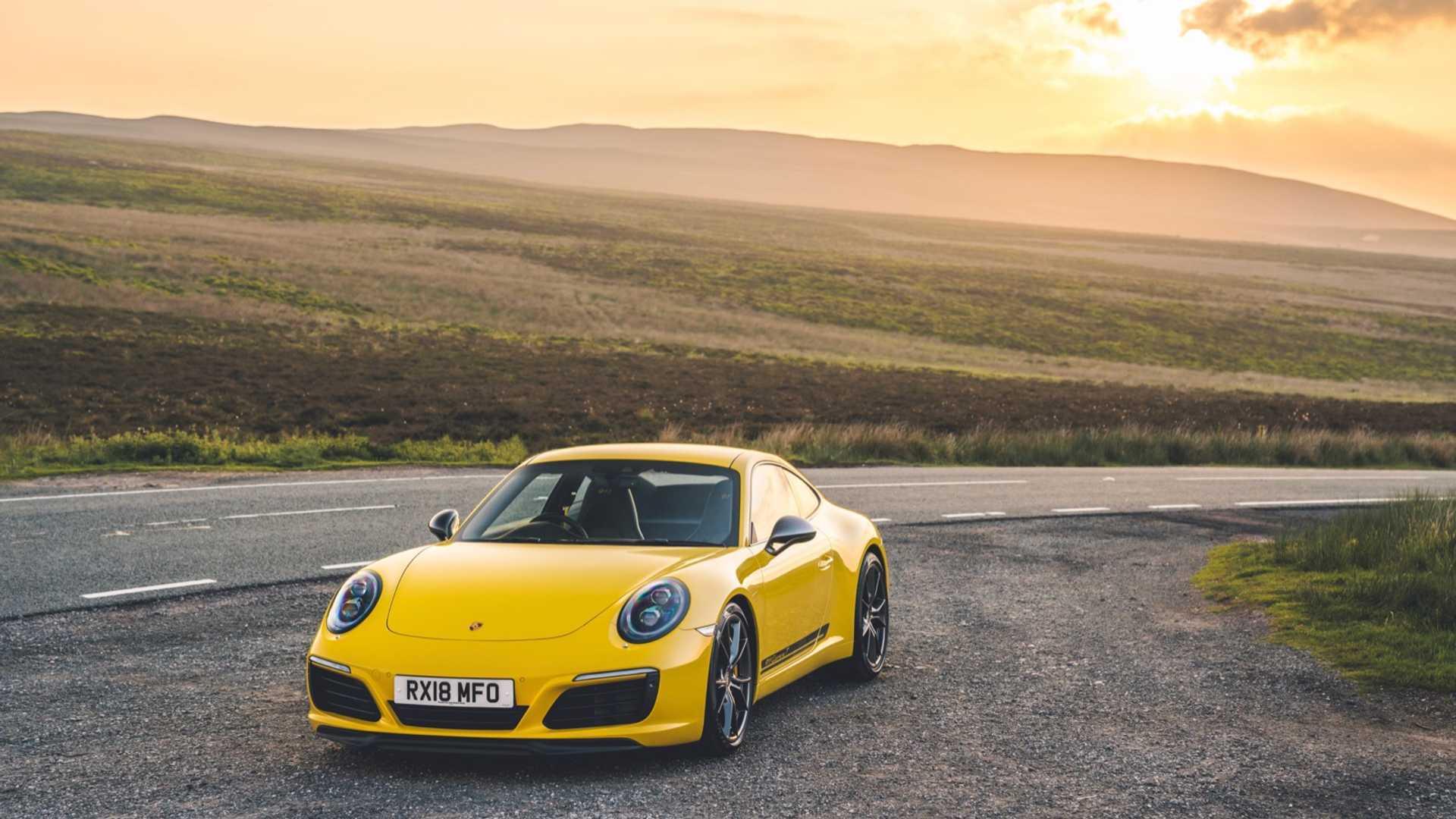 "[""Porsche 911 991 Carrera T""]"