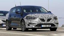 renault megane wagon facelift spied