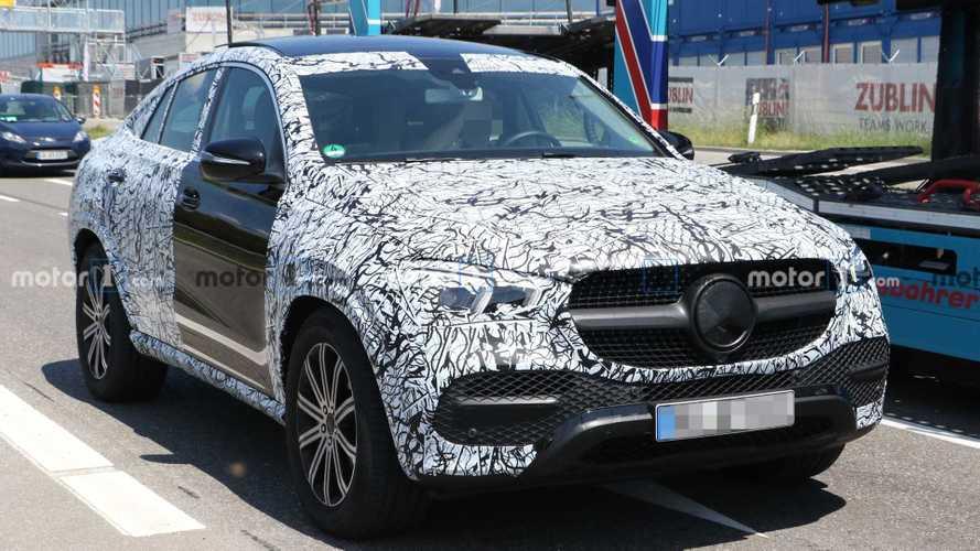 Flagra: Mercedes GLE Coupé 2020 revela detalhes