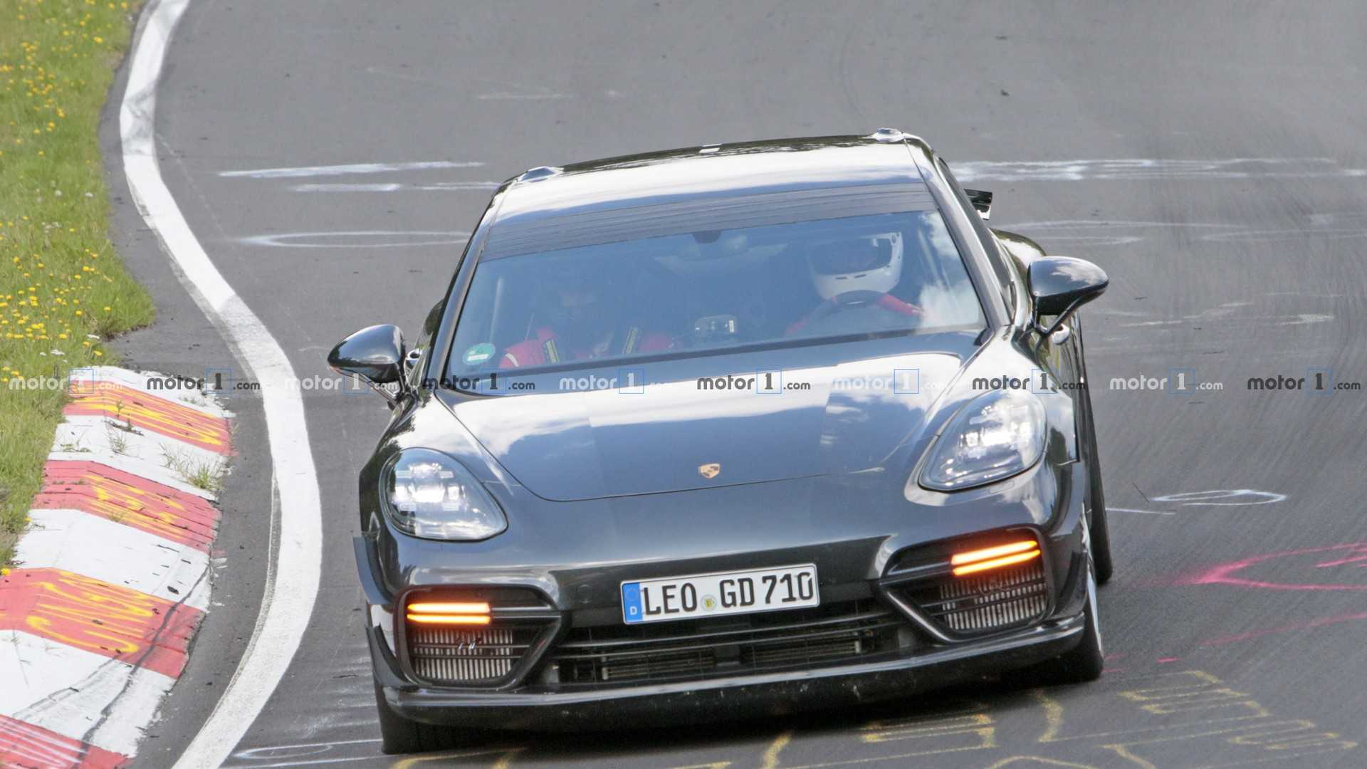 Porsche Panamera Turbo with aero kit spy photo