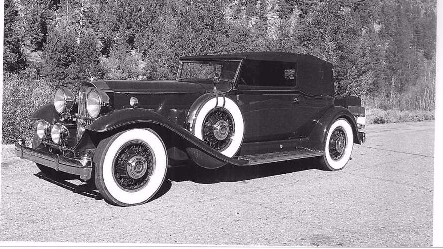 Escape Modern Life With This Über-Cool 1932 Packard 903