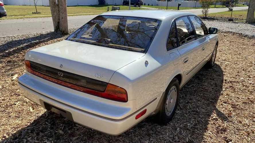 1992 Infiniti Q45 With 8,800 Miles