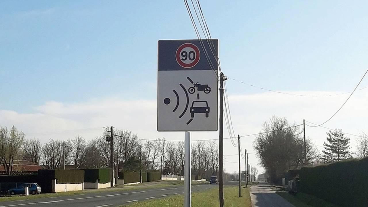 Radar, Panneau, Signalisation