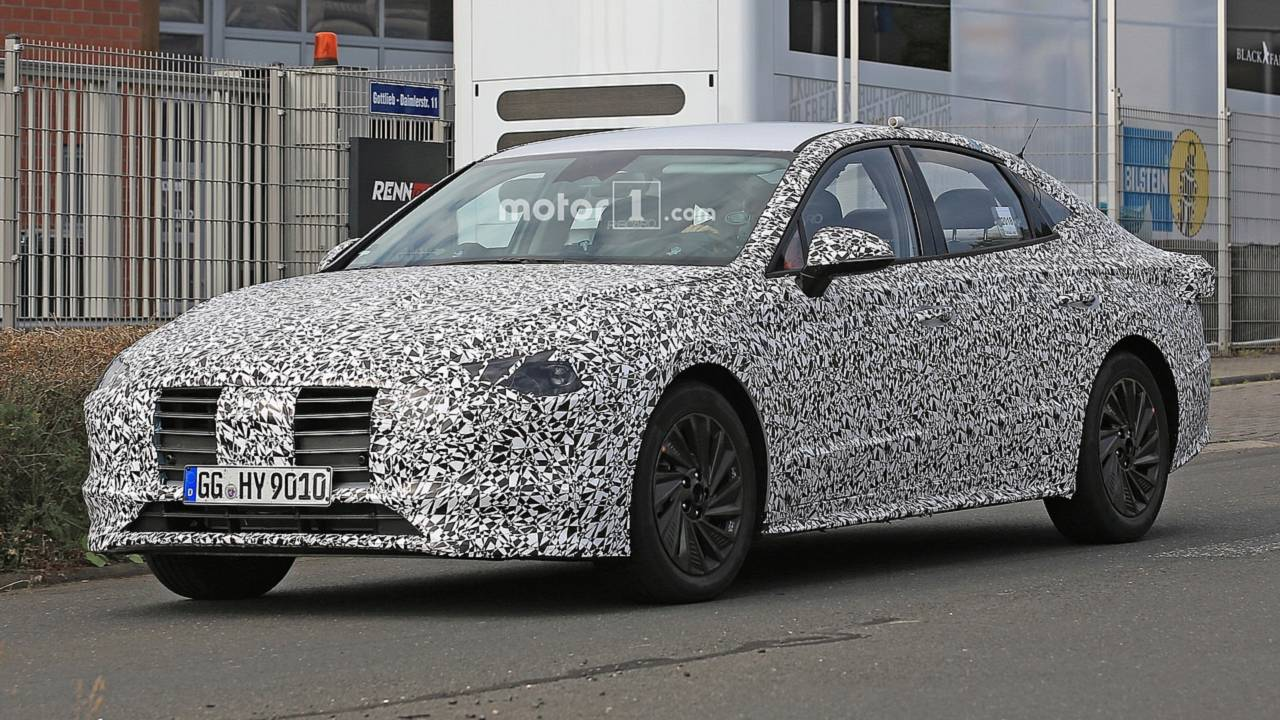 2020 Hyundai i40 spy photo
