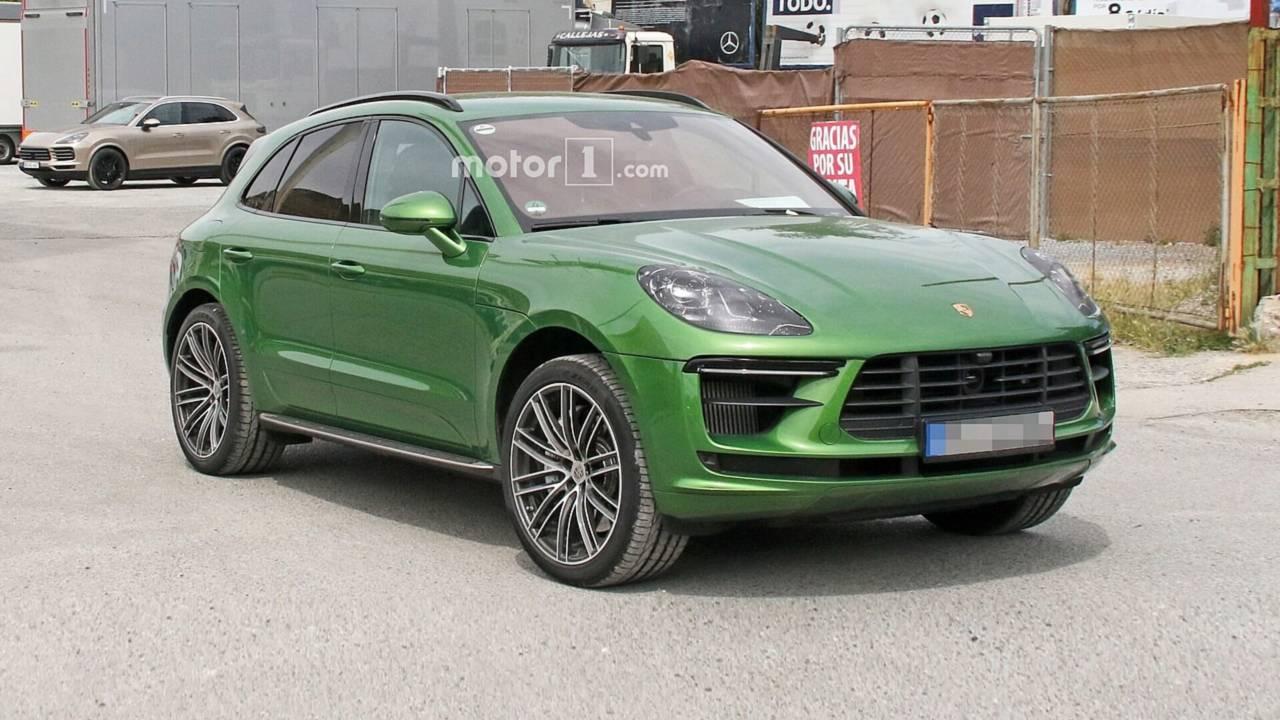 2019-porsche-macan-turbo-facelift-spy-ph