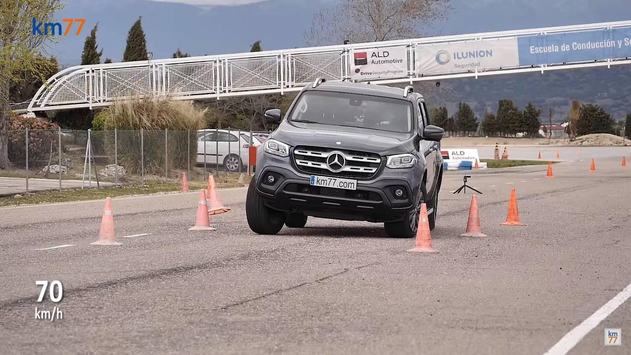 Mercedes X-Class Moose Test