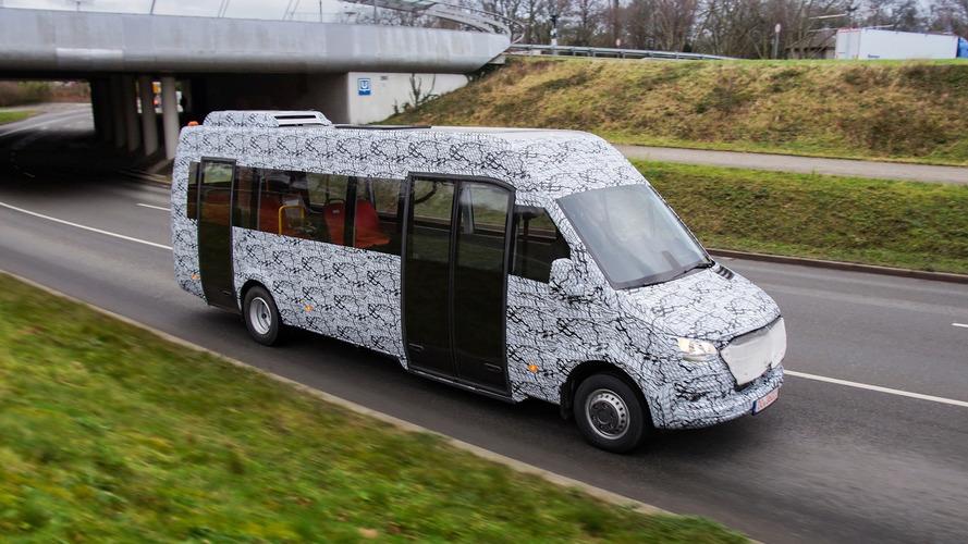 Sprinter'ın minibüs versiyonunun kamuflajlı görüntüleri yayınlandı