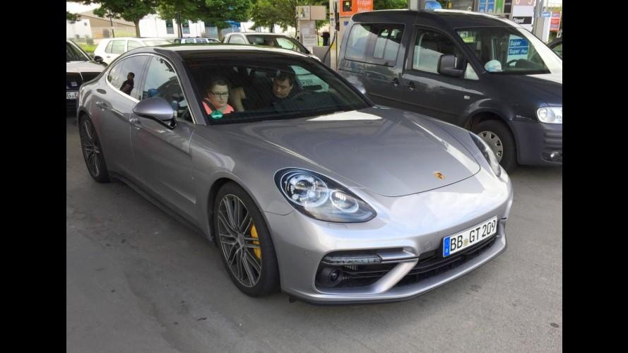 """Flagra: Novo Porsche Panamera é pego """"limpinho"""" a poucos dias da estreia"""