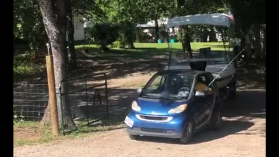 Watch A Smart ForTwo Driver Back Boat Out Of The Driveway