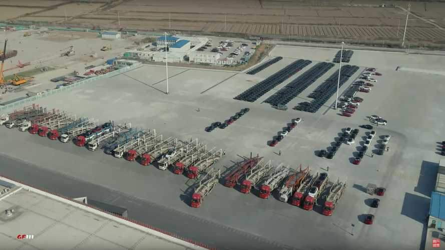 Tesla Giga Shanghai: 24 Carriers Wait To Deliver Tesla Cars