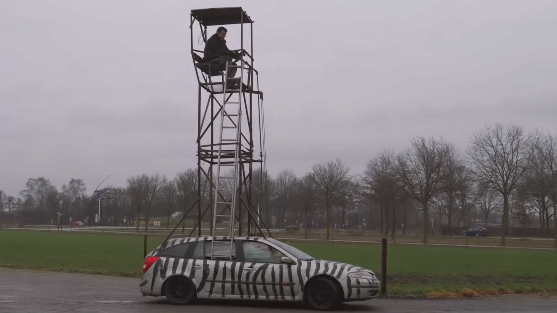 Old Renault Laguna Wagon Claims To Be The World's Tallest Car
