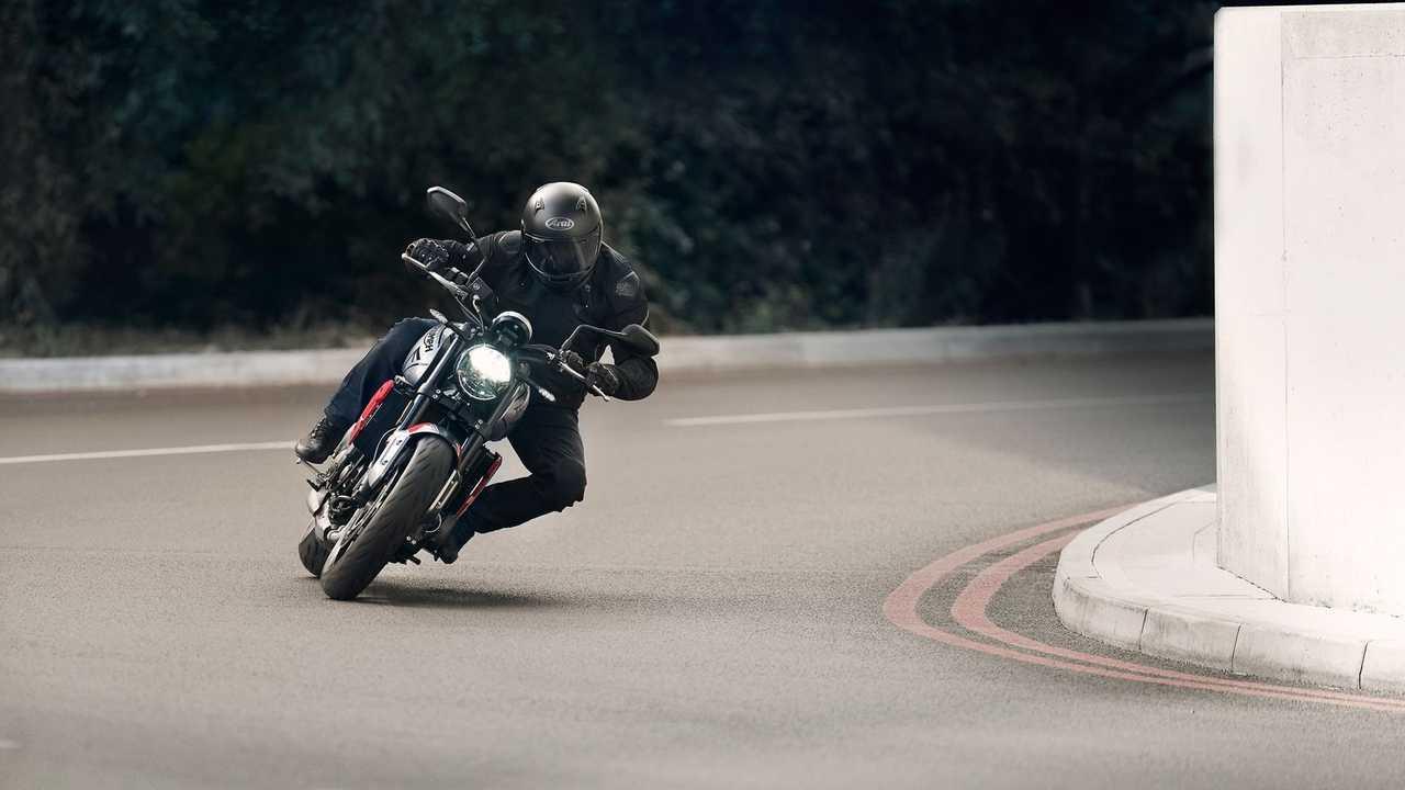 Trident---Hero-Riding-9