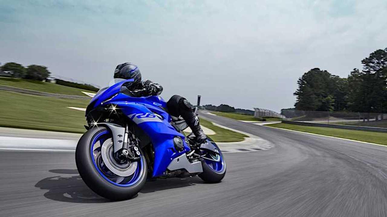 2021 Yamaha R6 Race - Left Side On Track