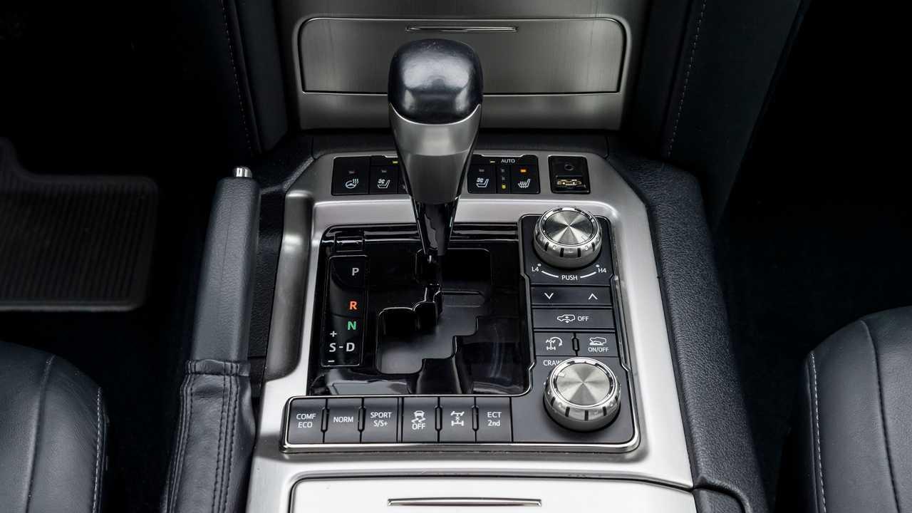 Toyota Land Cruiser 200 Khann HRS – кнопки управления