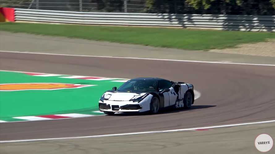 Videón, ahogy a Ferrari új V6-os hibrid motorját teszteli