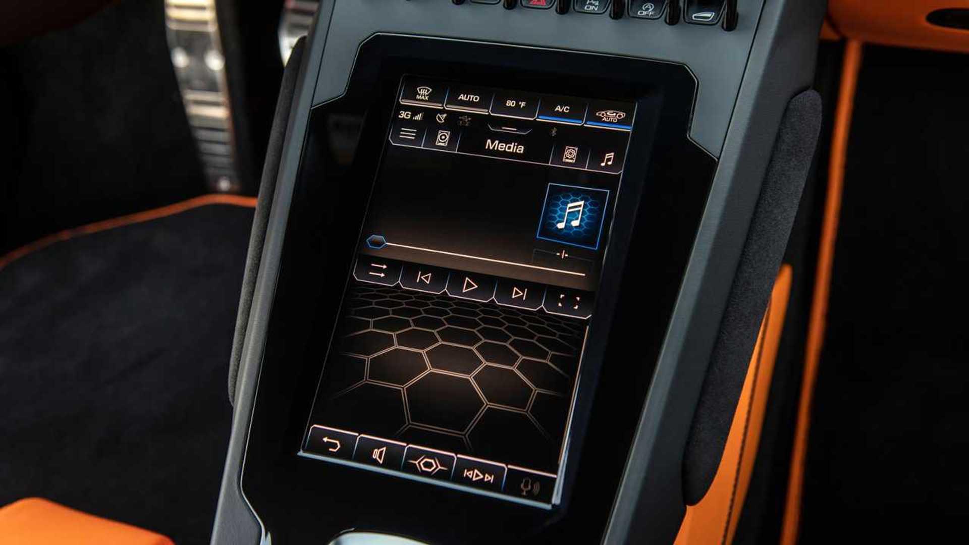 2020 Lamborghini Huracan Evo RWD infotainment