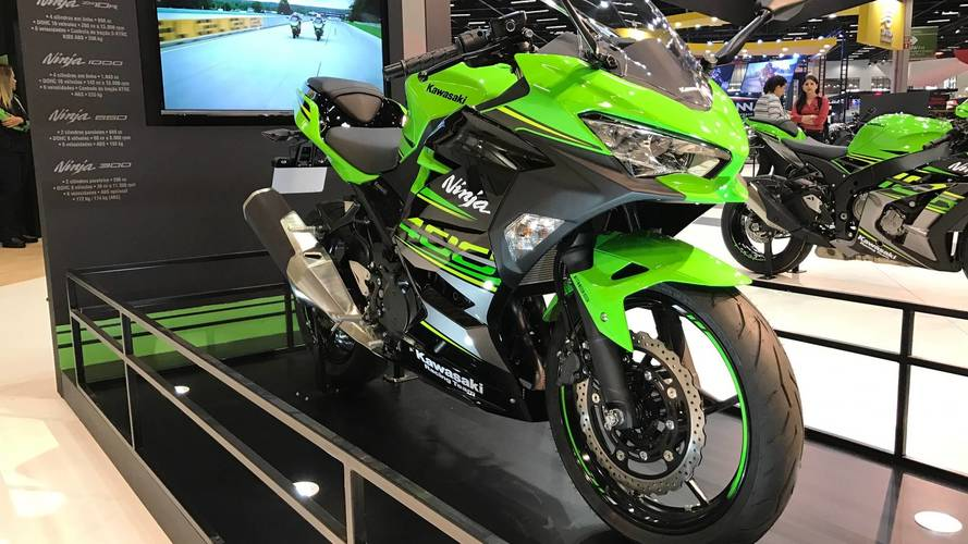 "Salão Duas Rodas - Kawasaki antecipa Ninja 400 e Z900 ""retrô"""