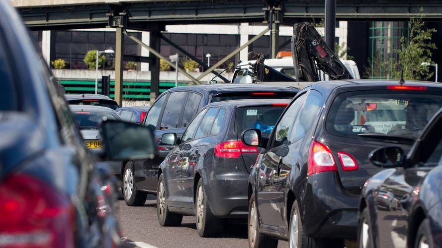 Government rolls out traffic-busting roadwork permits nationwide